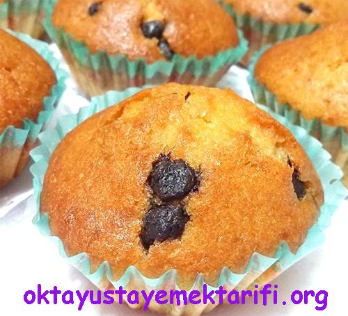 damla cikolatali ve uzumlu muffin