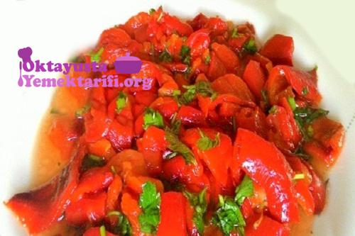 http://www.oktayustayemektarifi.org/wp-content/uploads/2019/01/sirkeli-kırmızı-biber-salatasi.jpg
